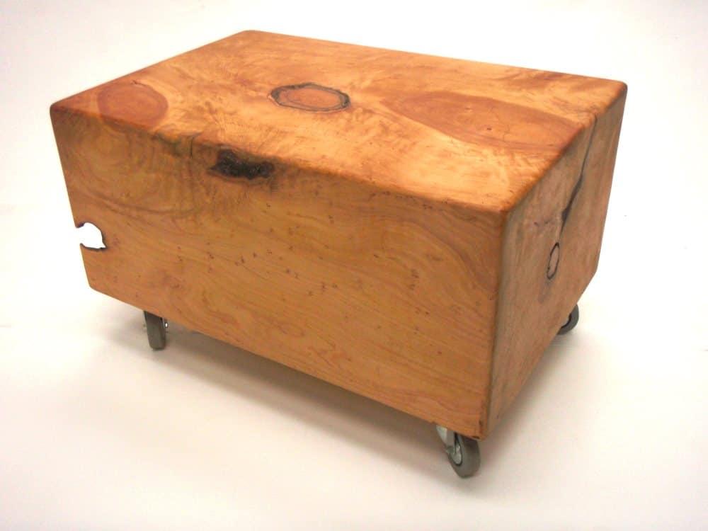 Macrocarpe table